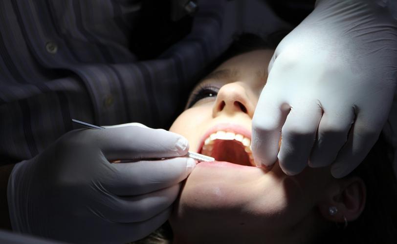 Ονειροκρίτης δόντια (οδοντοστοιχία)