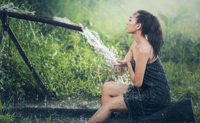 Ονειροκρίτης πλύσιμο (πλένομαι - πλένω)